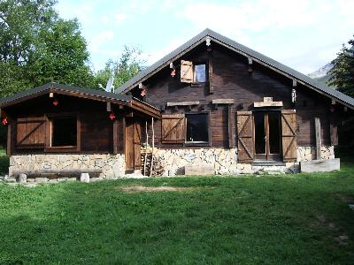 Chalet traditionnel en bois Parc National des Ecrins