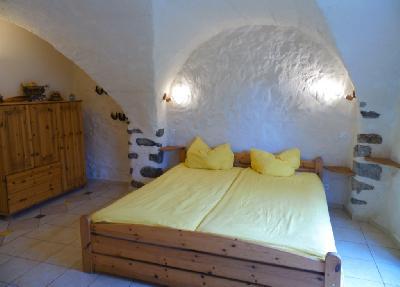 Hte Provence authentique:chambres familiales sur ferme équestre en pleine nature