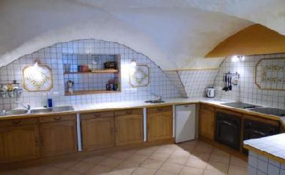 Haute Provence authentique: gîte de clan sur ferme équestre en pleine nature