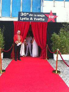LOCATION DE POTELETS TAPIS ROUGE