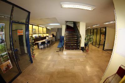 Troyes Bouchon prox. FNAC, MAGNIFIQUE LOCAL de 340 m², 16 m de vitrines