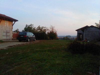 Maison de village  à rénover en brique et  pans de bois sur terrain de 3400 m2