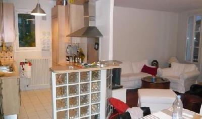 appartement d'environ 120m² comprenant une entrée, séjour