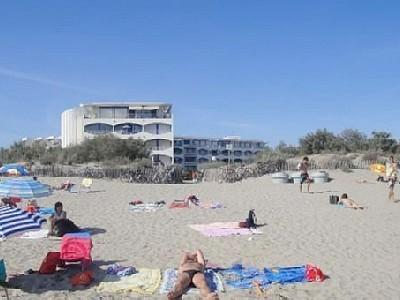 La Grande Motte P2 bord de mer vue mer à 20m de la plage