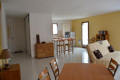 Villa neuve, aménagée, meublée, jardin