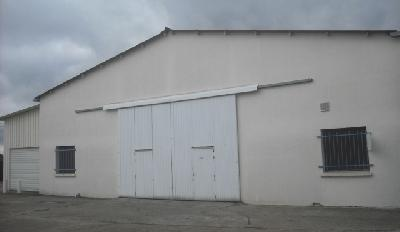 Location d'un entrepôt à Coignières 78 proche RN10