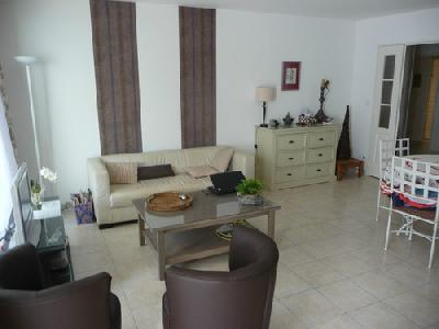 Location d un appartement a Marseillette