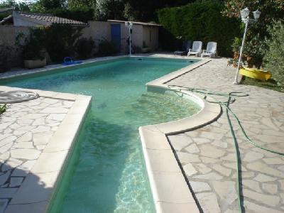 loue villa avec piscine privée jardin clos