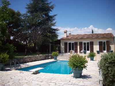 Villa 7 pièces à Mougins/proximité Cannes -795000€