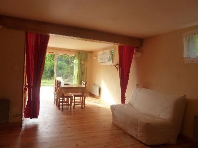 Grand studio meublé dans cadre de verdure près St Alban/Limagnole