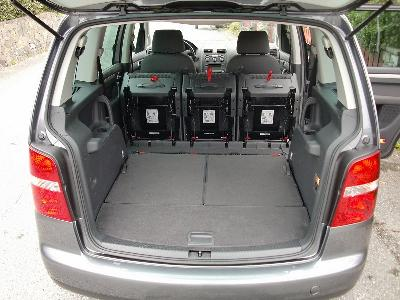 Volkswagen touran 1 9 tdi 105 ch highline 7 places for Touran interieur 7 places