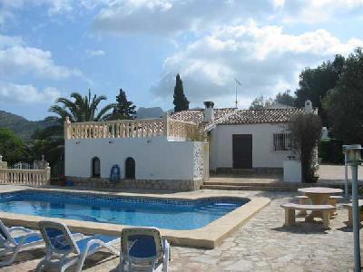 Chalet avec piscine sur terraine golf Denia/Costa Blanca