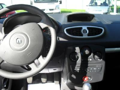RENAULT CLIO III (2) 1.5 DCI 75 EXPRESSION CLIM