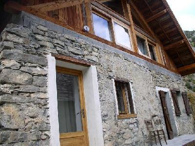 maison de village indépendante de 2 siecles à FREISSINIERES ( parc des Ecrins )