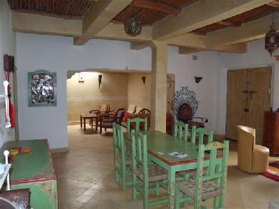 Maison individuelle avec jardin fleuri à Essaouira