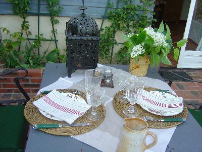 Vacances champêtres pour seniors de bonne humeur, studio, terrasse, services