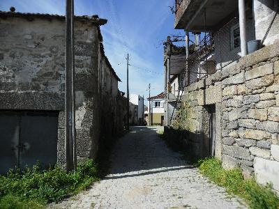 loue petite maison nord-est Portugal