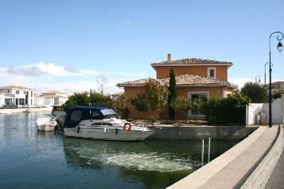 magnifique marina avec emplacement bateau
