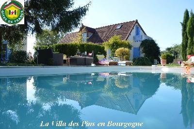 Location maison de vacances avec piscine enntre Loire et Morvan Bourgogne