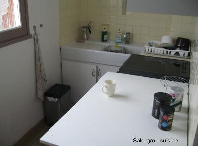 location chambre + sdb + cuisine + WC