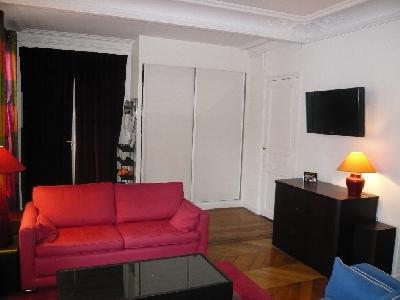 Appartement de 100 m² environ au 3ème étage avec ascenseur?