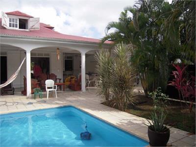 Villa avec piscine de très belle conception