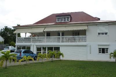 villa de 400 m² avec piscine + bureaux