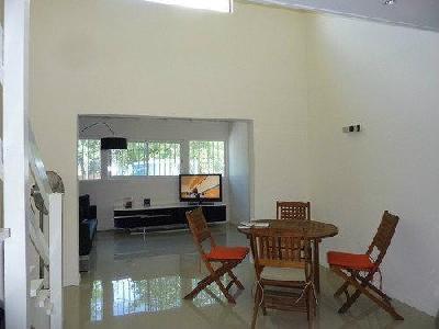 Maison mitoyenne en duplex, 2 chambres avec jardin privatif