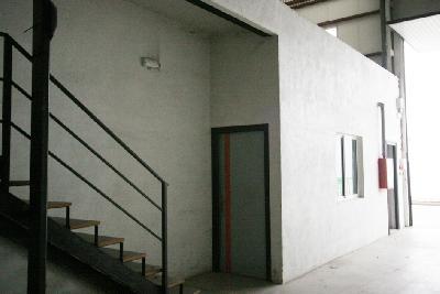 Hangar à 350 m2 a la sortie de Pampelune