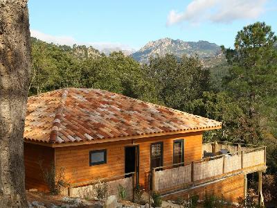Villa en bois avec piscine privée et plage