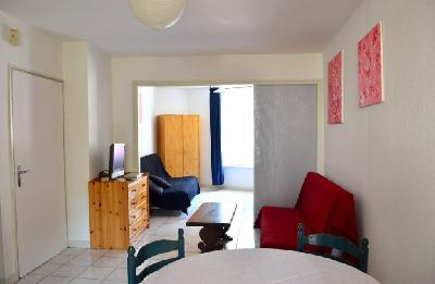 location appartement 2 pi ces 45 m2 lyon. Black Bedroom Furniture Sets. Home Design Ideas