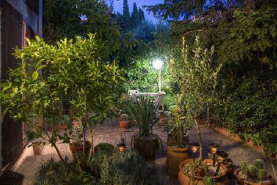 Apt rez de jardin privatif - parking privé clos