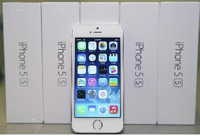 3 unités iphone 5s - £ 600, 3x Samsung S5 - £ 700, 3x iphone 5