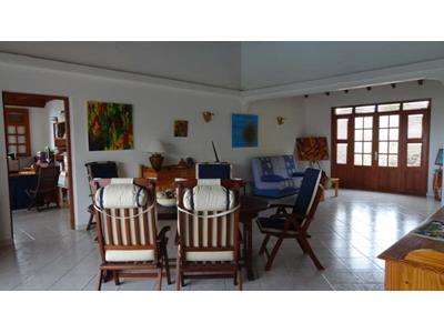 Villa T6 mitoyenne meublé