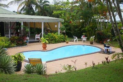 Villa F5 + piscine sur terrain 1084m2 dans lotissement