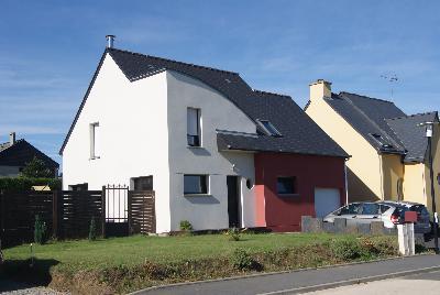 Maison - COMBOURG - 6 pièces - 102 m2