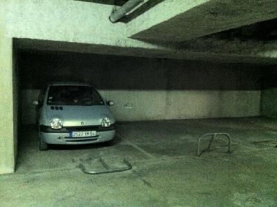 Juan-les-pins parking s/sol résidence Les Oliviers