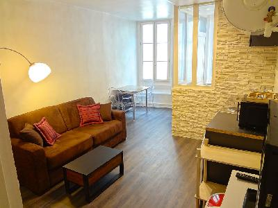 Superbe studio T1 meublé en duplex de 36 m² sur St Germain en laye
