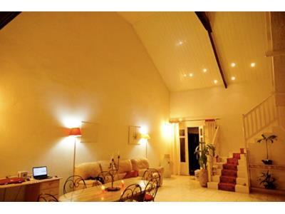 LA SALINE : VILLA F4 pleine de charme sur 500 m2 de terrain