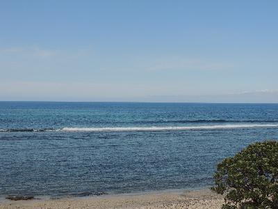 T2 avec terrasse sur le lagon, pieds dans l'eau, Saline les bains, vue mer