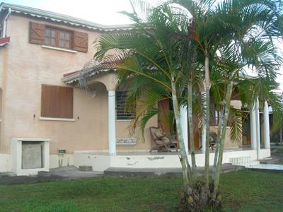 Villa F5 avec piscine à Apatou