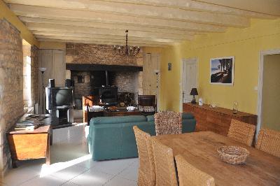 Périgord noir : villa 8P piscine privée et chauffée sur 1,6 ha !