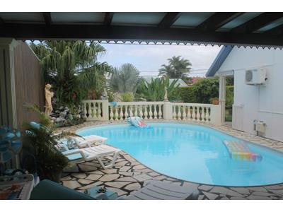 Villa avec piscine secteur résidentiel