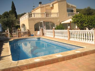 Impeccable Villa à vendre avec piscine privée à Calicanto (Valencia)