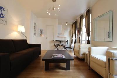 Studio meublé propre Lumineux proche commerce