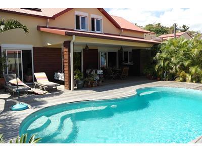 Villa F5 avec piscine?