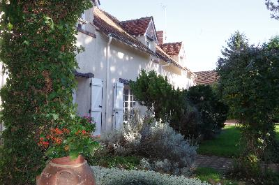 Magnificent old house carefully restored close to BLOIS