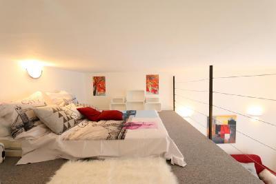 Studio + Mezzanine 35m2, Rue de Lisbonne Paris8è