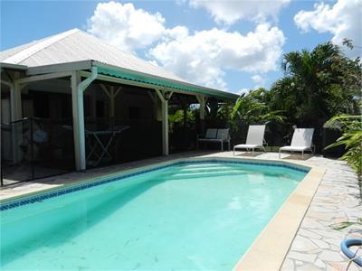 Villa F5 de 120 m2 sur terrain de 515 m2 avec piscine +mezzanine??