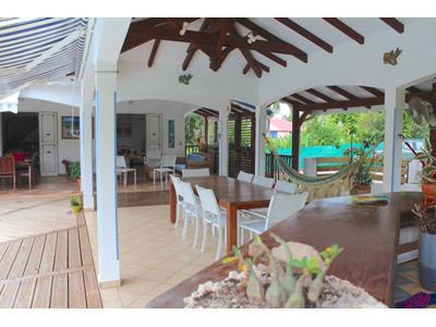Magnifique villa F6 avec bungalow et piscine